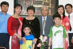 Nhà thơ Vũ Quần Phương: Luôn tôn trọng những quyết định của con