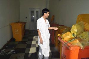 Nhiều bệnh viện lớn ở Hà Nội bị phạt nặng vì xả rác thải nguy hại