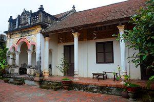 Nhà cổ hơn 100 tuổi vẫn đẹp long lanh ở Hà Nội