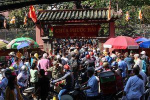 Biển người viếng chùa Ngọc Hoàng ở TP. HCM trong ngày cúng chư thiên