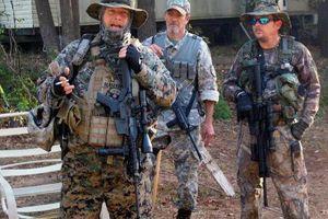 Choáng với dàn trang bị của Dân quân Tự vệ Mỹ