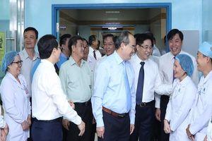 Bí thư Nguyễn Thiện Nhân thăm BV Đại học Y dược TP.HCM