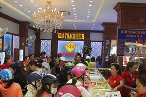 Phú Yên: Nhu cầu người dân mua vàng cầu may đầu năm tăng mạnh