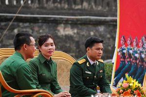 Cô gái trẻ bỏ ngang nghề kế toán để thực hiện giấc mơ quân ngũ