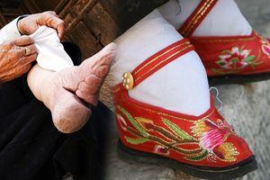 Xót xa hình ảnh những người phụ nữ 'bó chân gót sen' cuối cùng của Trung Quốc
