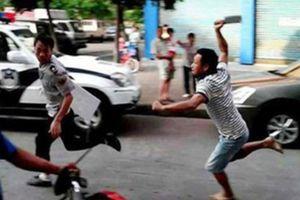Hàng chục thanh niên đâm chém nhau, ném 'bom xăng' ở Đồng Nai