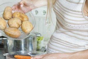 Đẻ con quái thai, não chậm phát triển nếu bà bầu ăn quá nhiều khoai tây