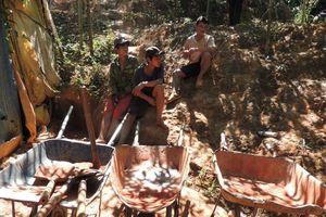 Kon Tum: Phạt 510 triệu đồng 8 đối tượng khai thác vàng trái phép