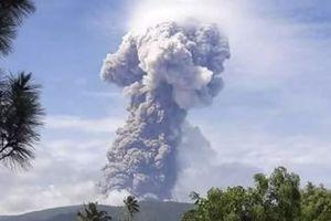 Núi lửa phun cao 4km ở Sulawesi sau thảm họa kép động đất-sóng thần