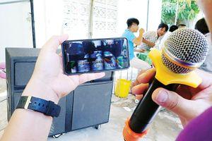 Karaoke quấy rối làng xóm