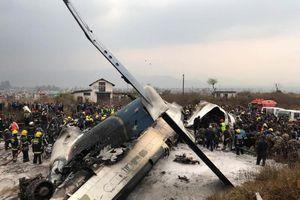 Máy bay lỡ đường băng, gặp nạn khủng khiếp