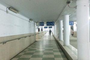 Rợn người khi qua hầm đi bộ nghìn tỷ giữa Thủ đô