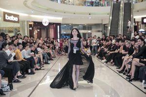 Mẫu nhí 13 tuổi với chiều cao ấn tượng catwalk gây sốt tại casting Vietnam International Fashion Week