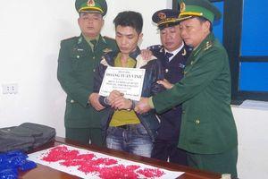Bị bắt khi vận chuyển 3.200 viên ma túy từ Lào về Việt Nam tiêu thụ