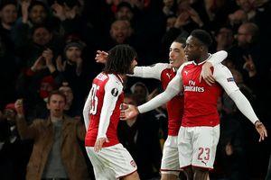 Welbeck bị chỉ trích dù lập cú đúp giúp Arsenal thắng AC Milan