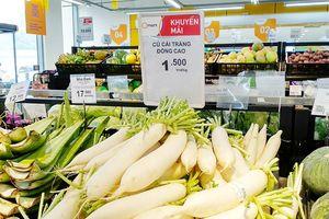 Hệ thống siêu thị Qmart thu mua củ cải cho dân