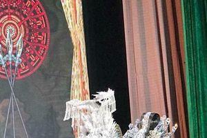 'Loạn chiến Phụng Hoàng cung' tái diễn sau đêm cháy vé