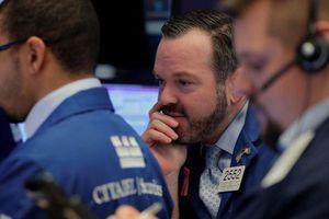 Cổ phiếu Facebook lao dốc, kéo lùi chứng khoán Mỹ