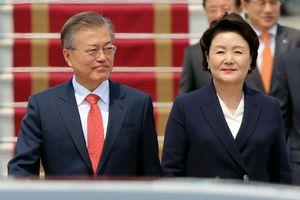 Tổng thống Hàn Quốc đến Hà Nội, bắt đầu thăm chính thức