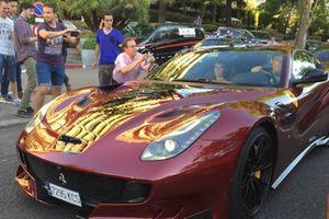 Cristiano Ronaldo lái siêu xe Ferrari F12tdf hàng hiếm