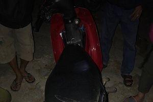 Manh mối về hai tên cướp từ chiếc xe máy tại hiện trường