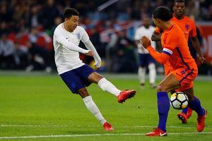 Sao M.U giúp tuyển Anh đánh bại Hà Lan