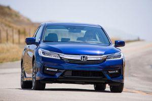Top 10 xe hơi lợi xăng, dầu nhất trên thị trường năm 2018