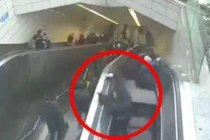 Video thang cuốn 'nuốt chửng' người đàn ông
