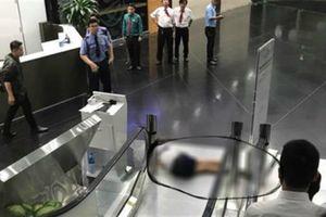Bí ẩn nguyên nhân nữ sinh tử vong trong tòa nhà Bitexco