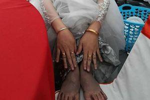 Câu chuyện đằng sau đôi chân lấm lem của cô dâu Quảng Ninh