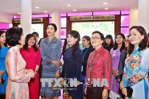 Phu nhân lãnh đạo GMS tìm hiểu di sản văn hóa, đời sống phụ nữ Việt Nam