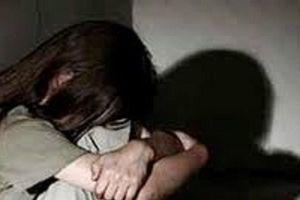 Đắk Lắk: Khởi tố, bắt tạm giam người cha đồi bại hiếp dâm con gái ruột