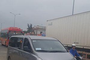 Quảng Nam: 'Xe dù chuyên nghiệp' hoạt động công khai, rầm rộ