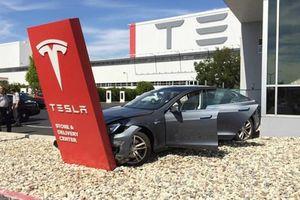 Tỷ phú Elon Musk: 'Tesla đã phá sản hoàn toàn'