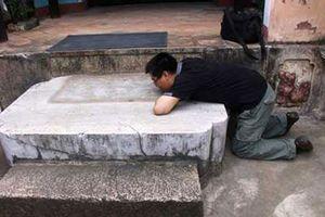 Ly kỳ 'hòn đá oán hờn' trong ngôi chùa cổ ở Bình Định