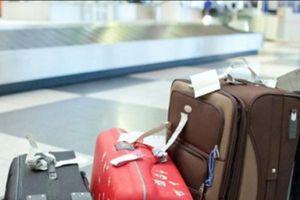 Bắt nhân viên sân bay trộm điện thoại của khách