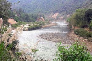 Siết chặt xây dựng thủy điện