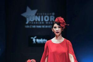 Xuân Lan cùng con gái trong khuôn khổ Tuần lễ thời trang trẻ em Việt Nam