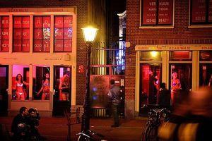 Sự thật về mại dâm hợp pháp hóa thành một nghề ở Hà Lan