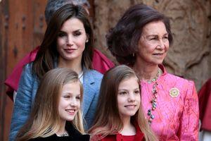 Thái hậu và hoàng hậu Tây Ban Nha bất hòa ở sự kiện công khai