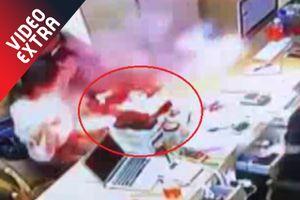 Khoảnh khắc iPhone phát nổ, phụt lửa vào mặt khách hàng ở Trung Quốc
