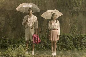 'Và em sẽ đến': So Ji Sub - Son Ye Jin cùng bản tình ca mát lành dưới màn mưa