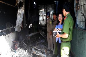 Khám nghiệm hiện trường vụ cháy kho hàng điện máy