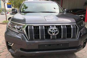 Cận cảnh Toyota Prado VX 2018 giá gần 3 tỷ tại VN