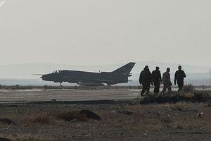 Căn cứ không quân Syria bị tấn công bằng 8 tên lửa, có người chết và bị thương