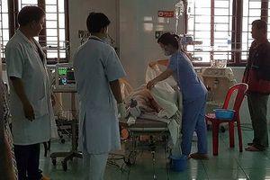 Đắk Nông: Xe cấp cứu tông liên hoàn, 3 người tử vong