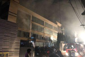 TP.HCM: Cháy xưởng bánh kẹo rộng 2000m2 ở quận Bình Tân