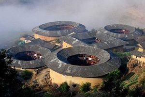Khám phá kiến trúc nhà tròn 'kịch độc' ở Trung Quốc