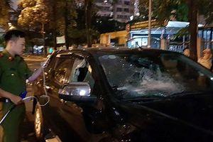 Danh tính lái xe ô tô vượt đèn đỏ, kéo lê nạn nhân ở ngã 6 Ô Chợ Dừa