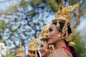 Thái Lan rộn ràng trước Songkran đầu tiên sau quốc tang